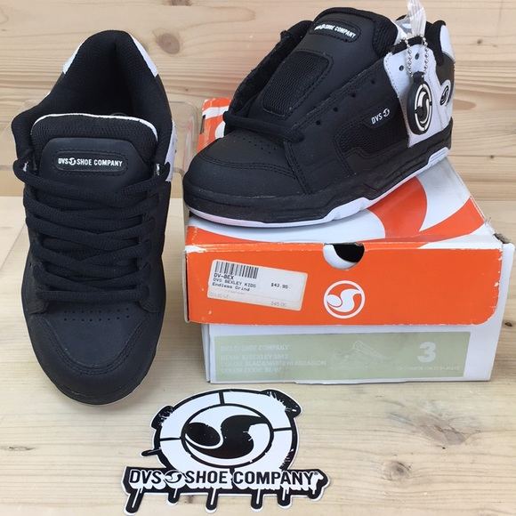 64a6c71851aa DVS Kids Bexley Skate Shoes Size 3 Black White NIB